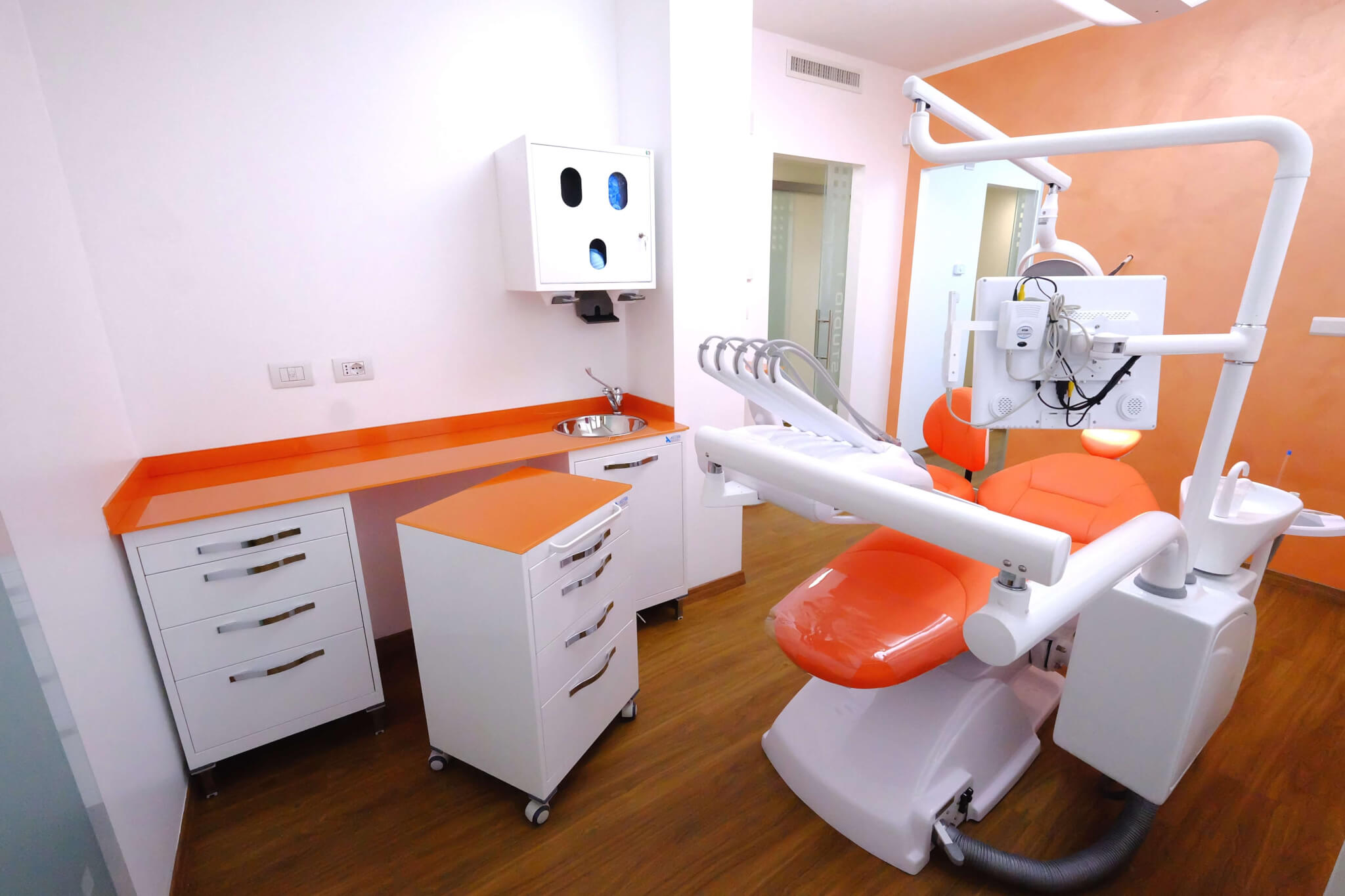 Plafoniere Per Studi Dentistici : Foto degli studi dentistici realizzati linea diretta srl